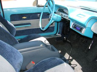 Front interior with bucket seats