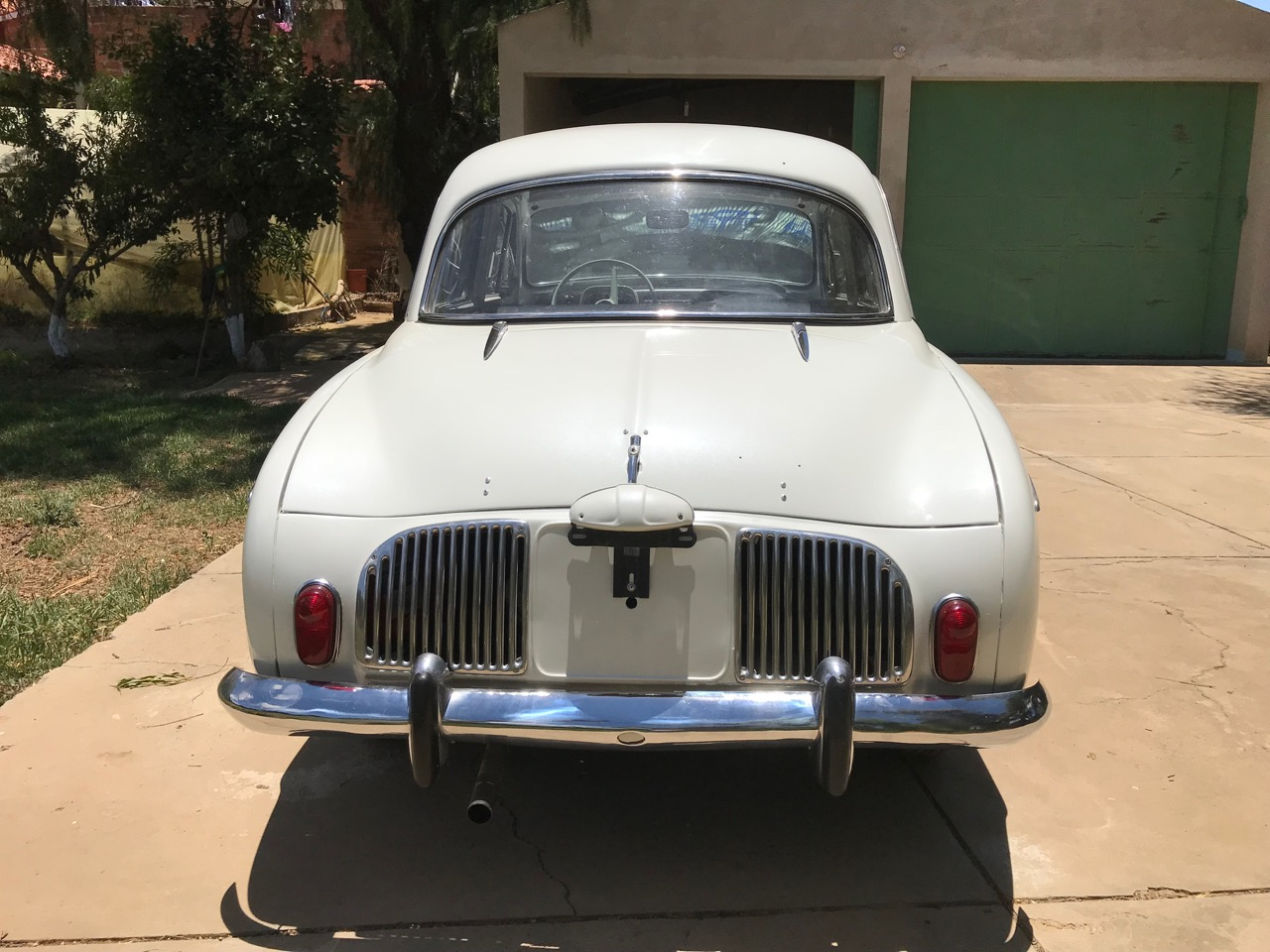 1962_renault-dauphine-rear.jpg