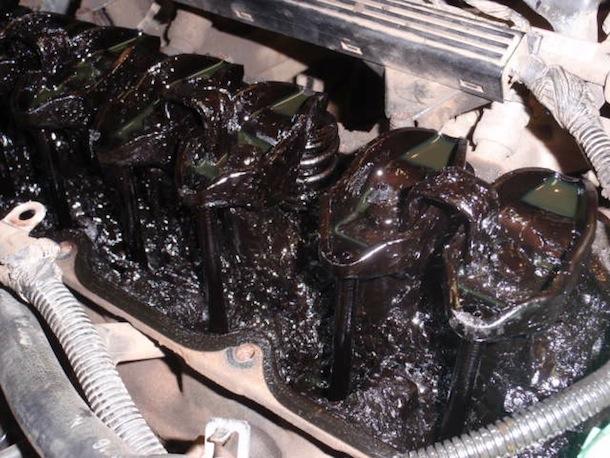 Lodo en el motor