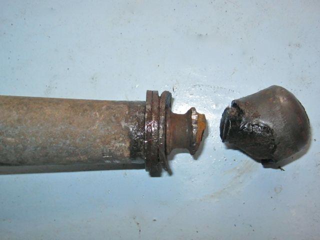 Rear suspension and floor